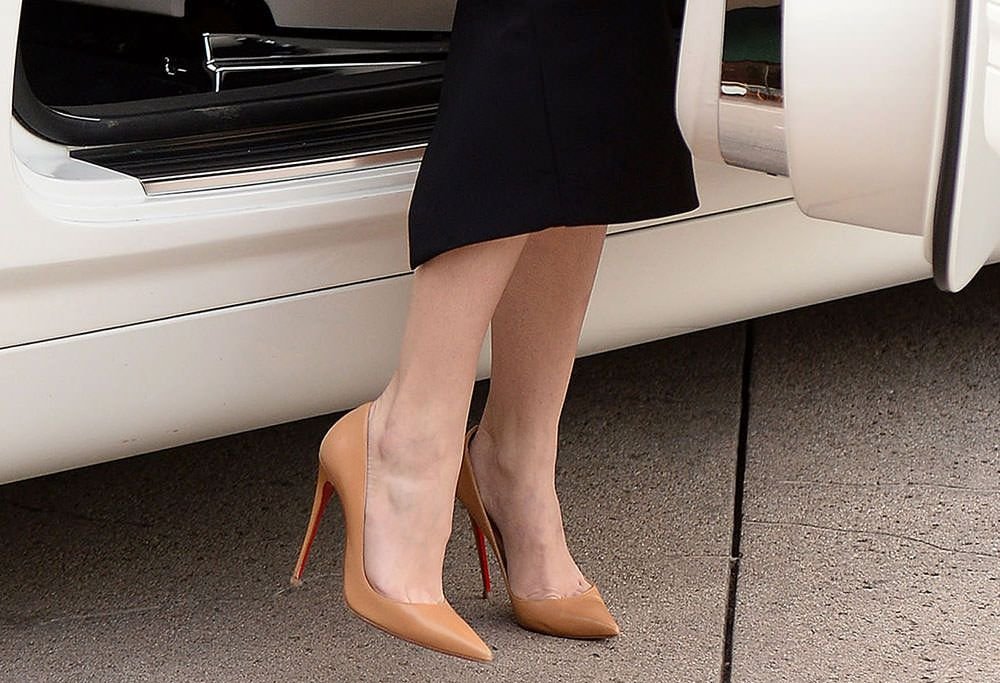 7a0b362a8510 Khloe-Kardashian-Christian-Louboutin-So-Kate-Pumps