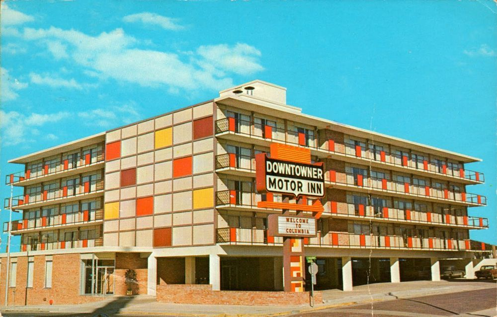 Mid Century Motels Have Us Longing For Summer Travel Mid Century Hotel Hotel Motel Building