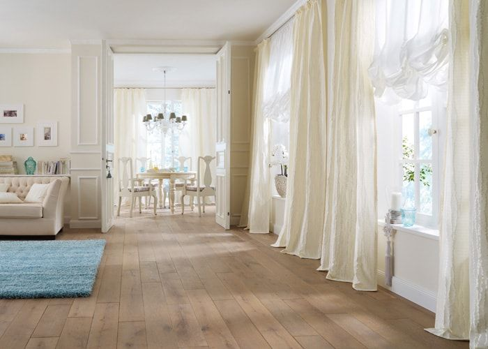 шторы неоклассика Wohnzimmer, Esszimmer, weißer Vorhang Saum