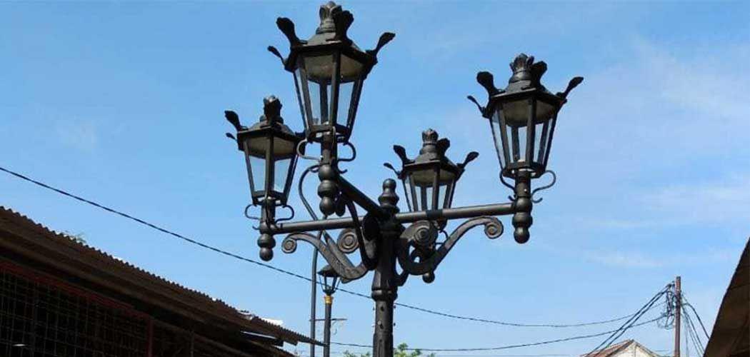 Pabrikasi Tiang Lampu Jalan Supplier Tiang Lampu Jalan Lampu Antik Lampu Solar Klasik
