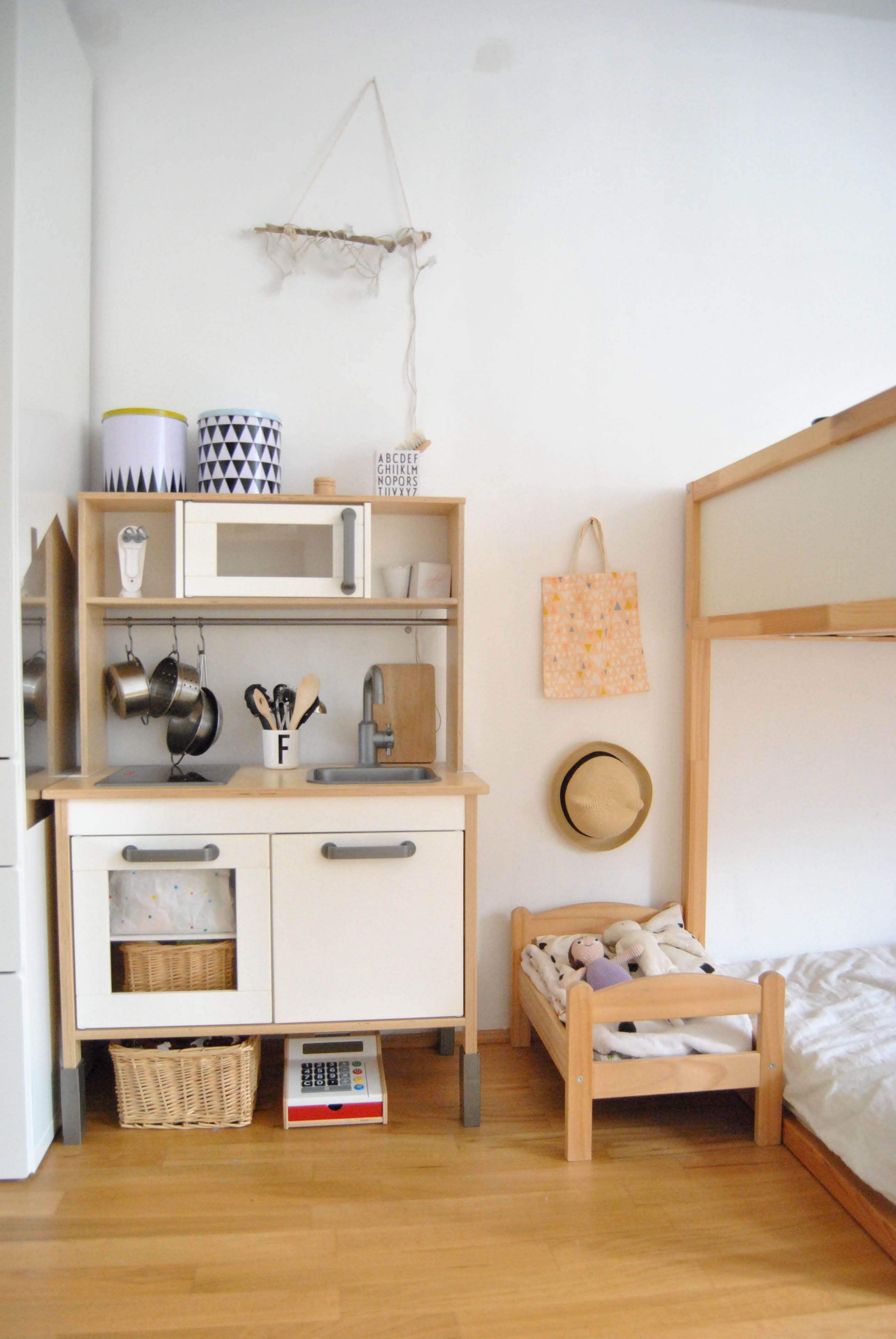 kinderzimmer update kinder. Black Bedroom Furniture Sets. Home Design Ideas