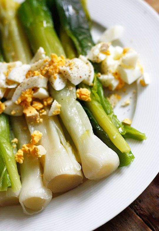 Perfect for a light evening meal as starter or side, this brilliant dish honors the delicate sweetness of leeks perfectly complemented by a tangy mustard vinaigrette. Hard-boiled eggs balance the d…