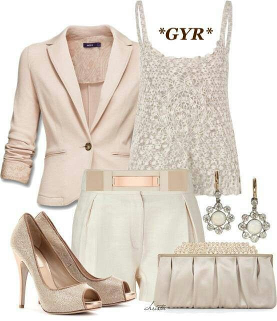 Fashionable Sophisticated Outfit for Women