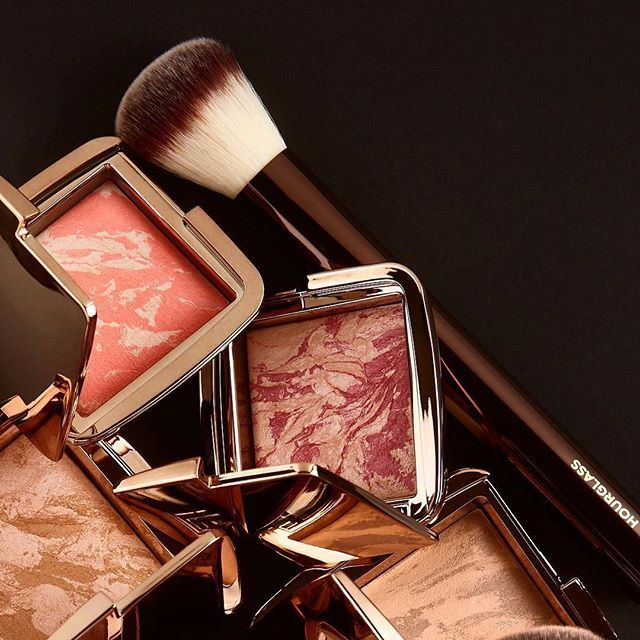 Make a statement this summer with our #AmbientStrobe Lighting Blushes and #AmbientLighting Bronzers. Which shade is your go-to? (T to B: Ambient Strobe Lighting Blush in Incandescent Electra, Ambient Strobe Lighting Blush in Euphoric Fusion, Ambient Lighting Bronzer in Luminous Light, Ambient Lighting Bronzer in Nude Bronze Light and No. 2 Foundation/Blush Brush) #CreateYourPerfectLight #crueltyfree #hourglasscosmetics