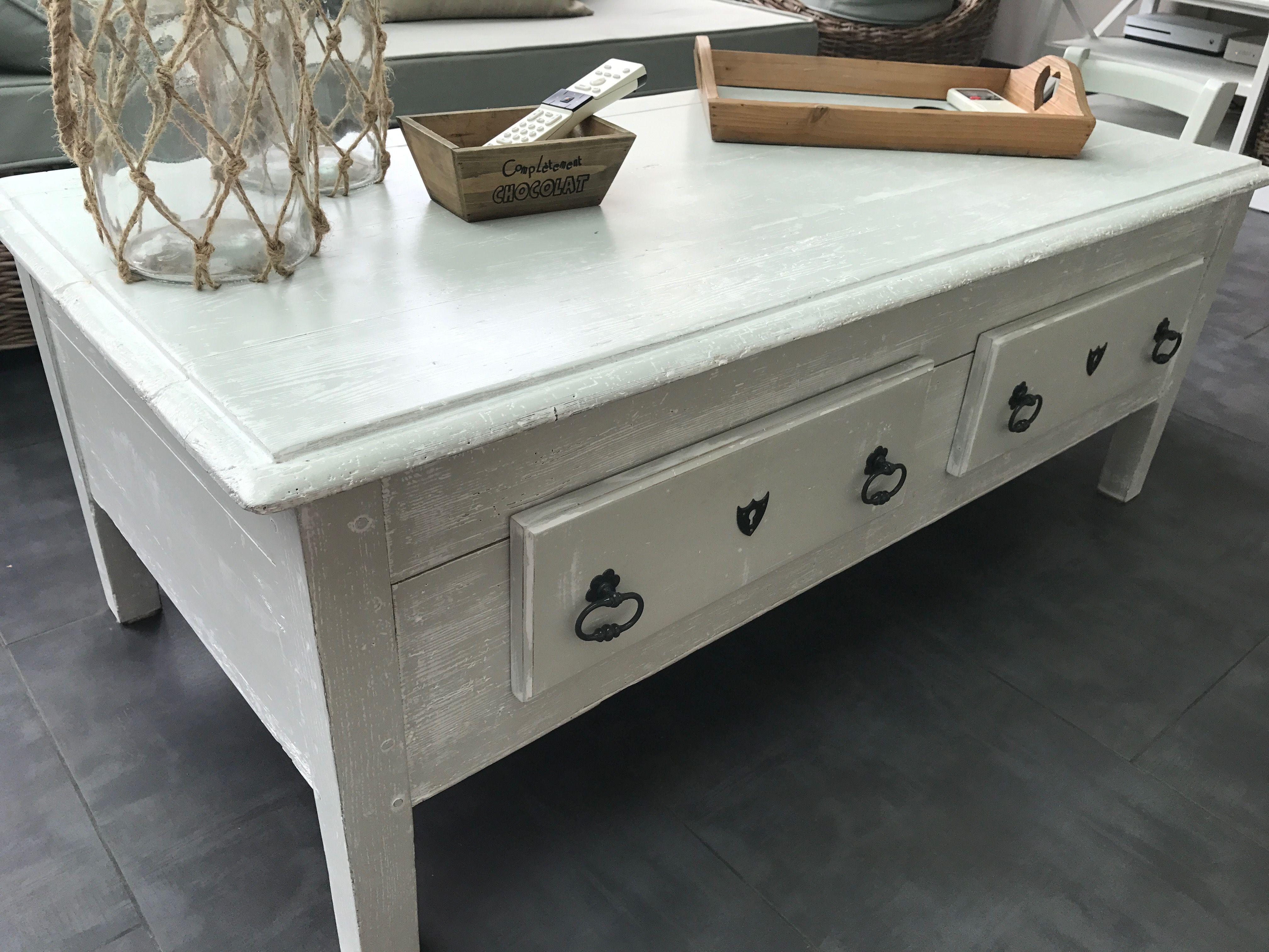 Joli petit bureau adapté en table basse uleur vert de gris et