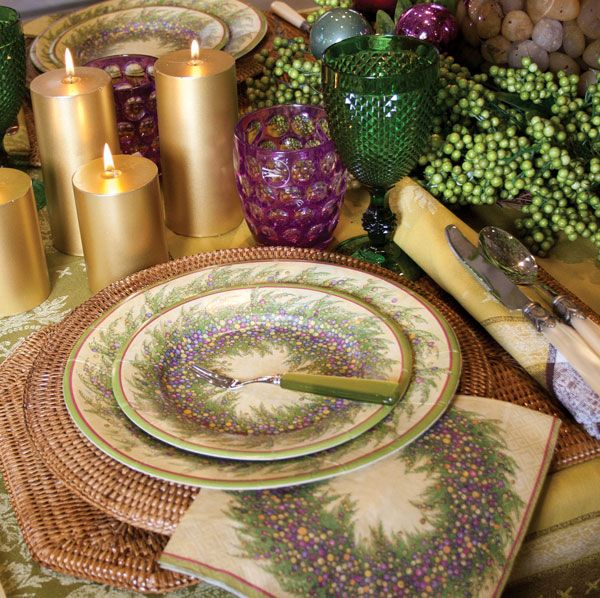 Great Holiday Table Setting Ideas And Wrapping Paper From Caspari @Caspari # Caspari