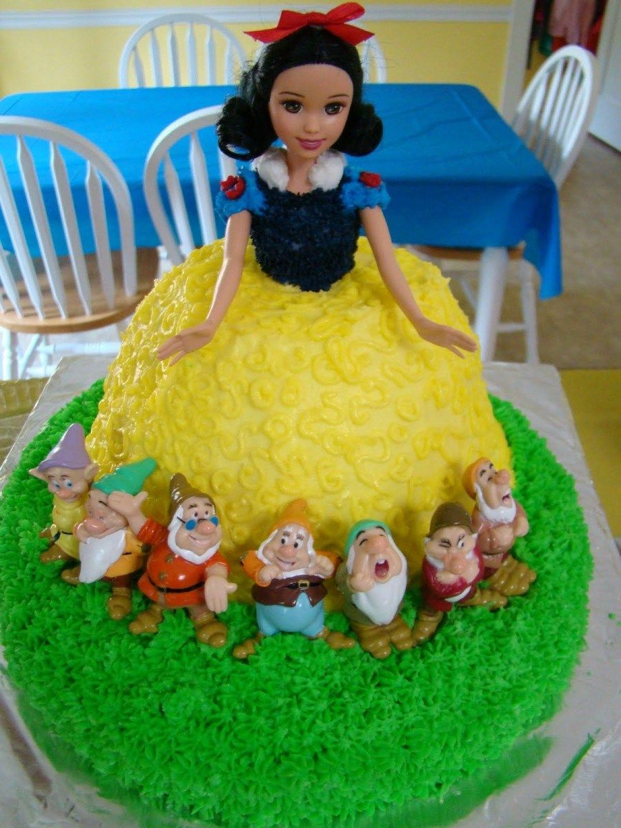 Snow White Birthday Cake Snow White Doll Cake Snow White Party Pinterest Snow White #snowwhite