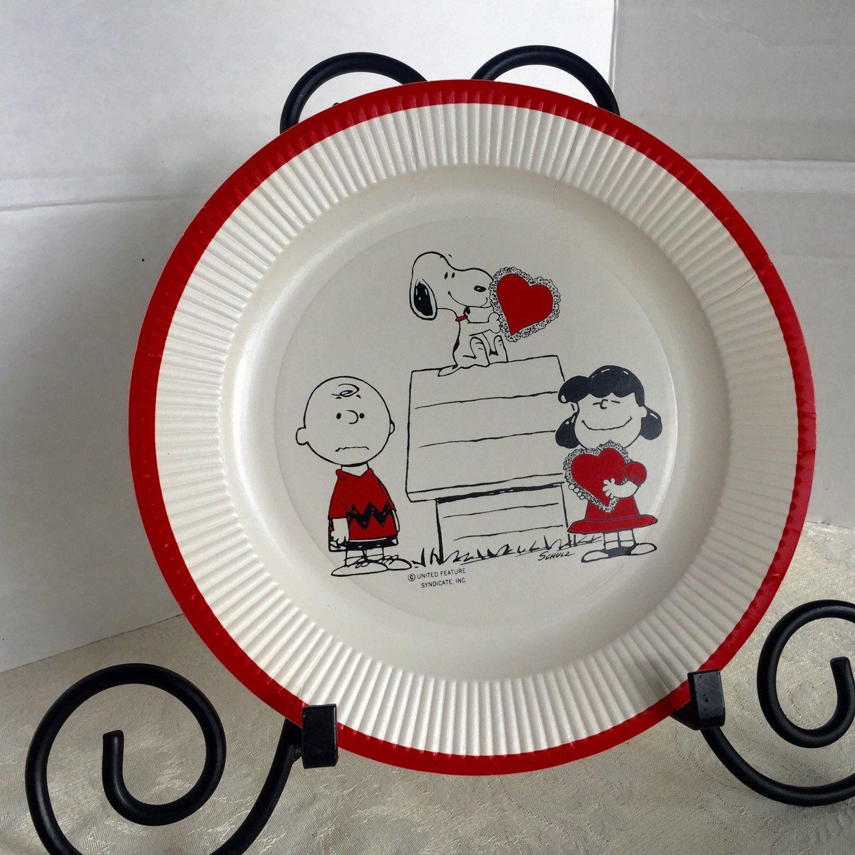 Peanuts Snoopy and Charlie Brown Paper Plates vintage treland epsteam kisvteam vintageteam Valentines Day Snoopy paper plates Charlie Brown Peanuts ... & Vintage Peanuts Snoopy and Charlie Brown Paper Plates / Valentineu0027s ...