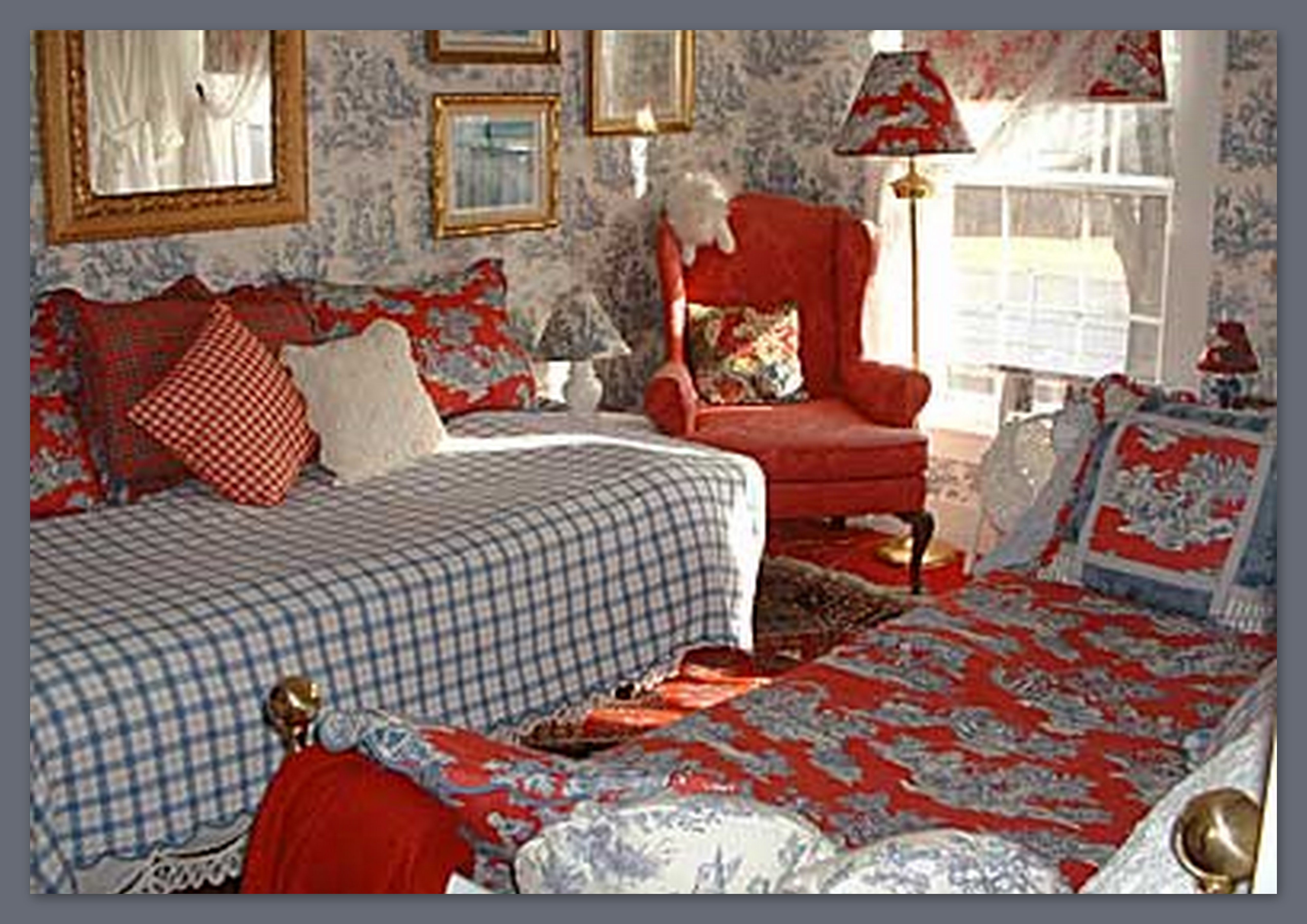 Blue And White Toile Bedroom: Red And Blue Toile