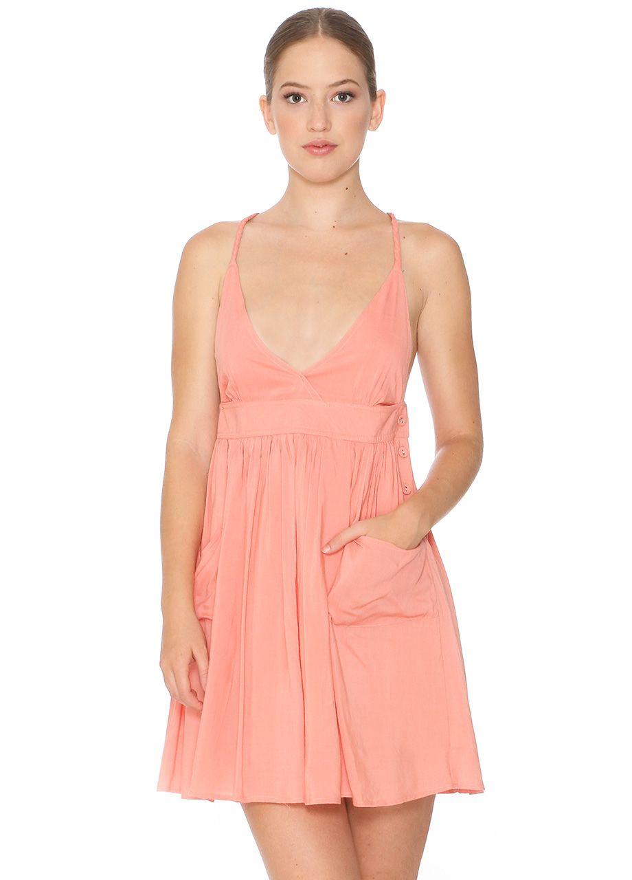 Vestido tirantes trenza con escote pronunciado. Cruzado en la espalda. Cierre con botones en lateral izquierdo y bolsillos exteriores. Color rosa - Pepaloves