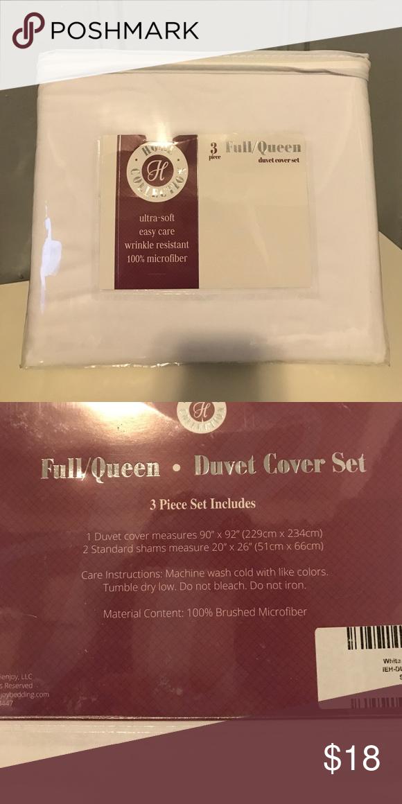 """Full/Queen Duvet Cover Set - White - NEW Brand new!  Full/Queen size white duvet cover set.  Ultra soft, easy care, wrinkle resistant.  100% microfiber.  Set includes 1 duvet cover 90"""" X 92"""".  2 standard shams 20"""" X 26"""" Other"""