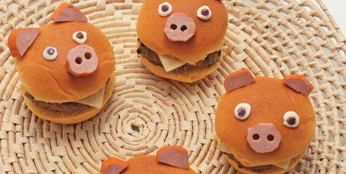 Hambúrguer de porquinho para o Dudu!