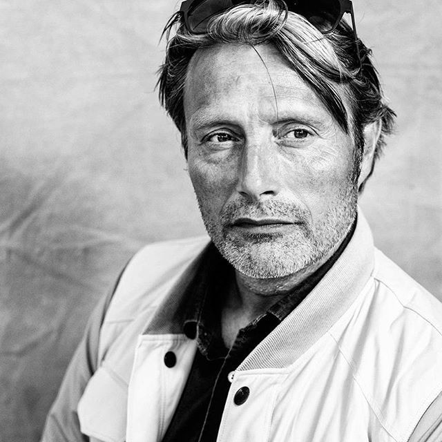 Favourite bond villain, the very tall #madsmikkelsen @theofficialmads with @leicacamerausa and @brodersonbackdrops backdrop #cannes2016 #hannibal