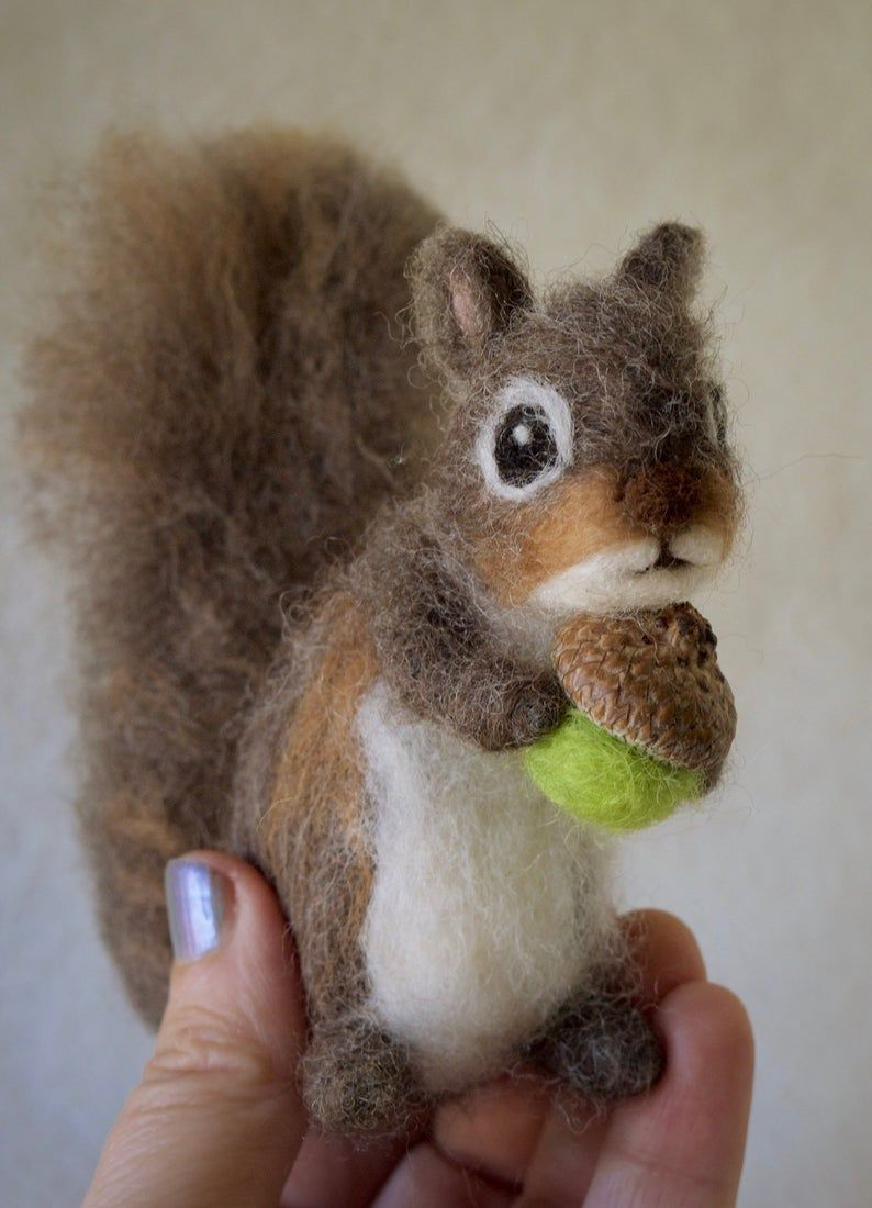 Tutorial Needle Felt Grey Squirrel, Instant Download PDF, 16 Detailed Pages, 74 Photos