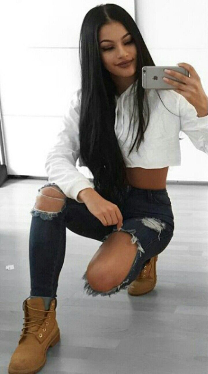Black timberland boots, ripped jeans | Timberland outfits