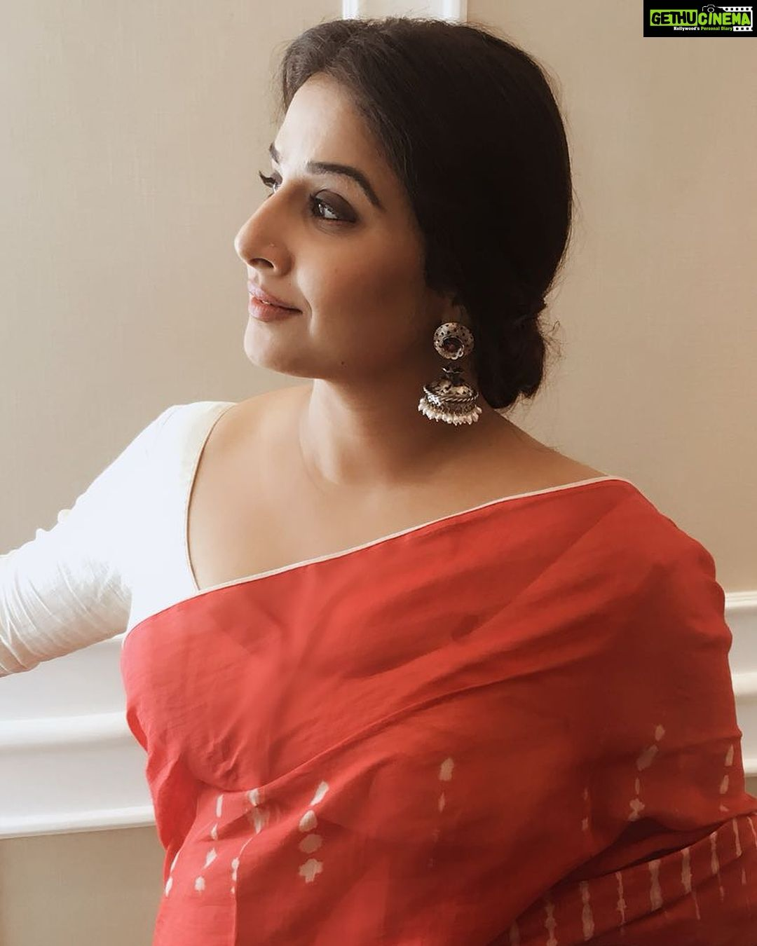 6a25e36600d39e Vidya Balan N.T.R Kathanayakudu Actress red saree trendy Actress Vidya Balan  2019 Latest Pretty HD Images
