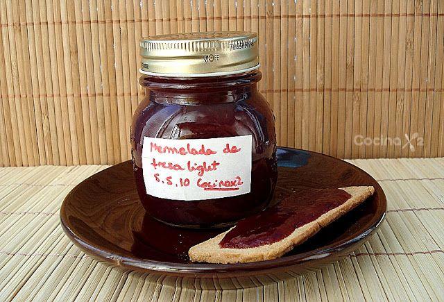 Esta receta la tengo pendiente desde hace mucho tiempo, no tenéis más que ver la fecha de la mermelada...Y ya no la quiero dejar...