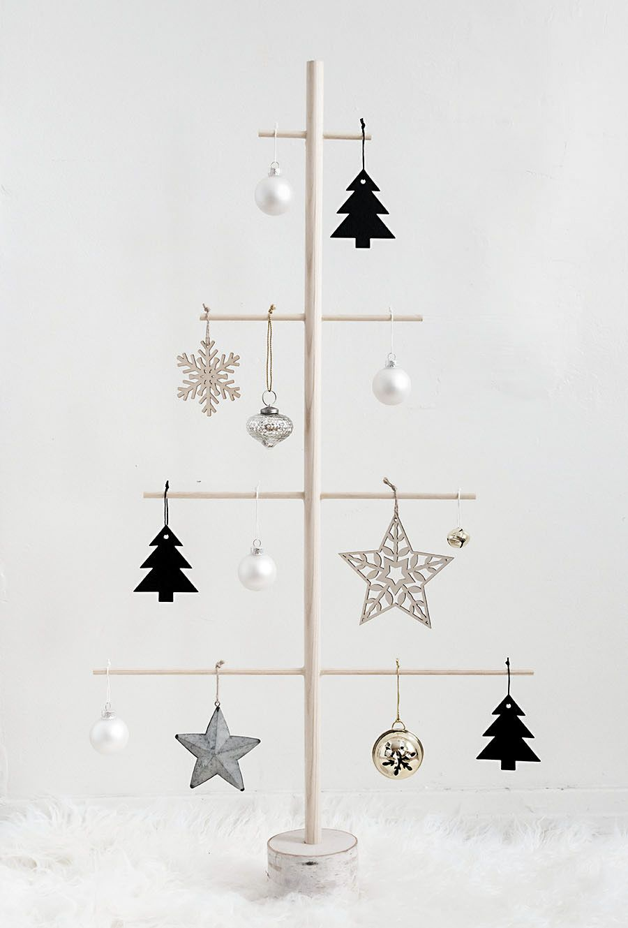 Diy Wood Dowel Tree Homey Oh My Alternative Christmas Tree Diy Christmas Tree Minimalist Christmas