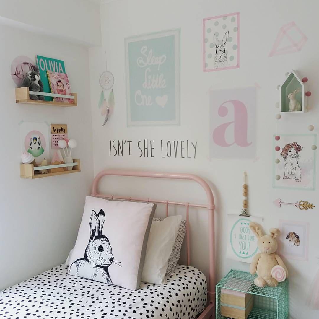 Petite chambre cosy et pastel  Deco chambre enfant, Deco chambre