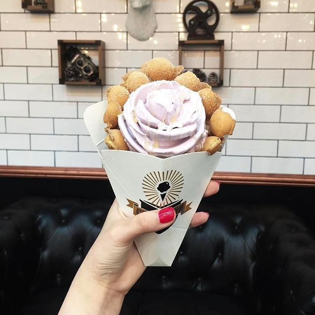 Earl Grey Lavender in a churro puffle 😋 Stop by until 10pm today to try one! 📷: @emilywang0602