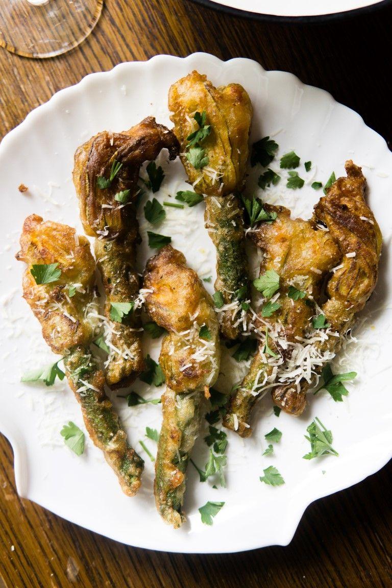 Smazone Kwiaty Cukinii W Ciescie Cydrowym Food Foodie Chicken Wings