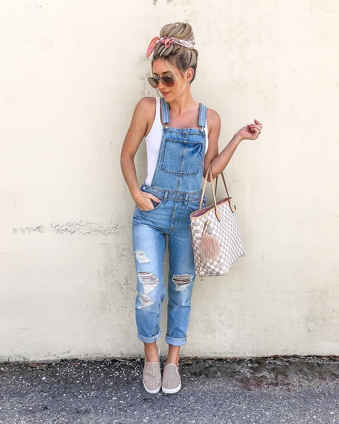184b02da56ab Overall, this is one of my fav combos!😉 Snagged these overalls for only   39 and they fit soo good! Follow me in the liketoknow app for all…