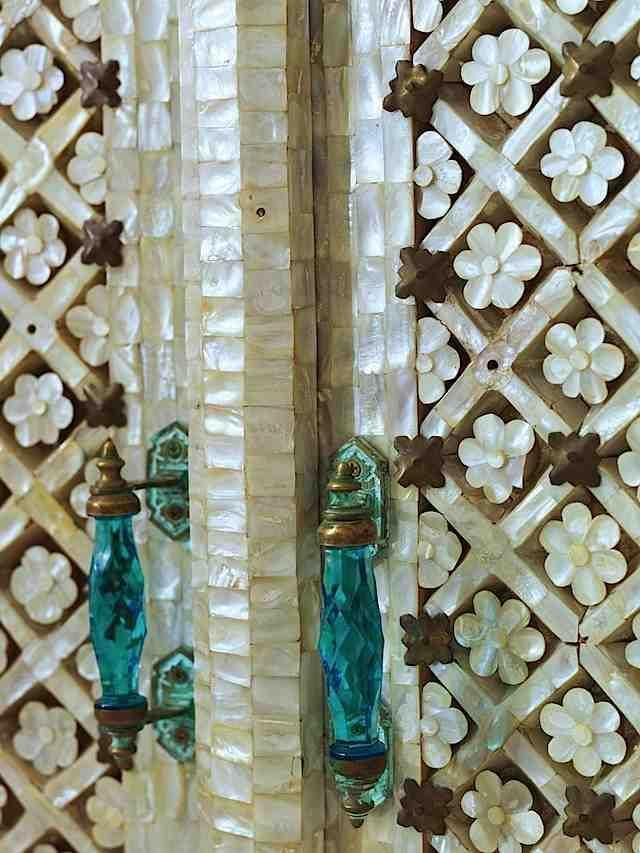 Mother of pearl inlaid shells and blue glass door handles & Mother of pearl inlaid shells and blue glass door handles ...
