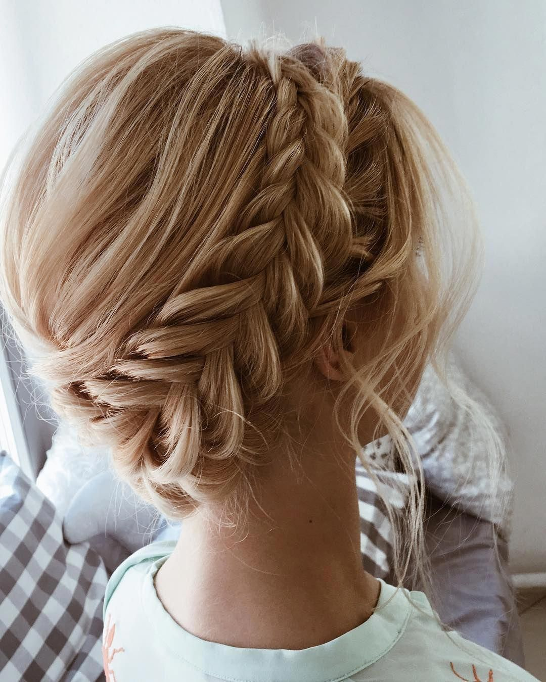 22 Beautiful Prom Hairstyles That'll Steal the Night ...