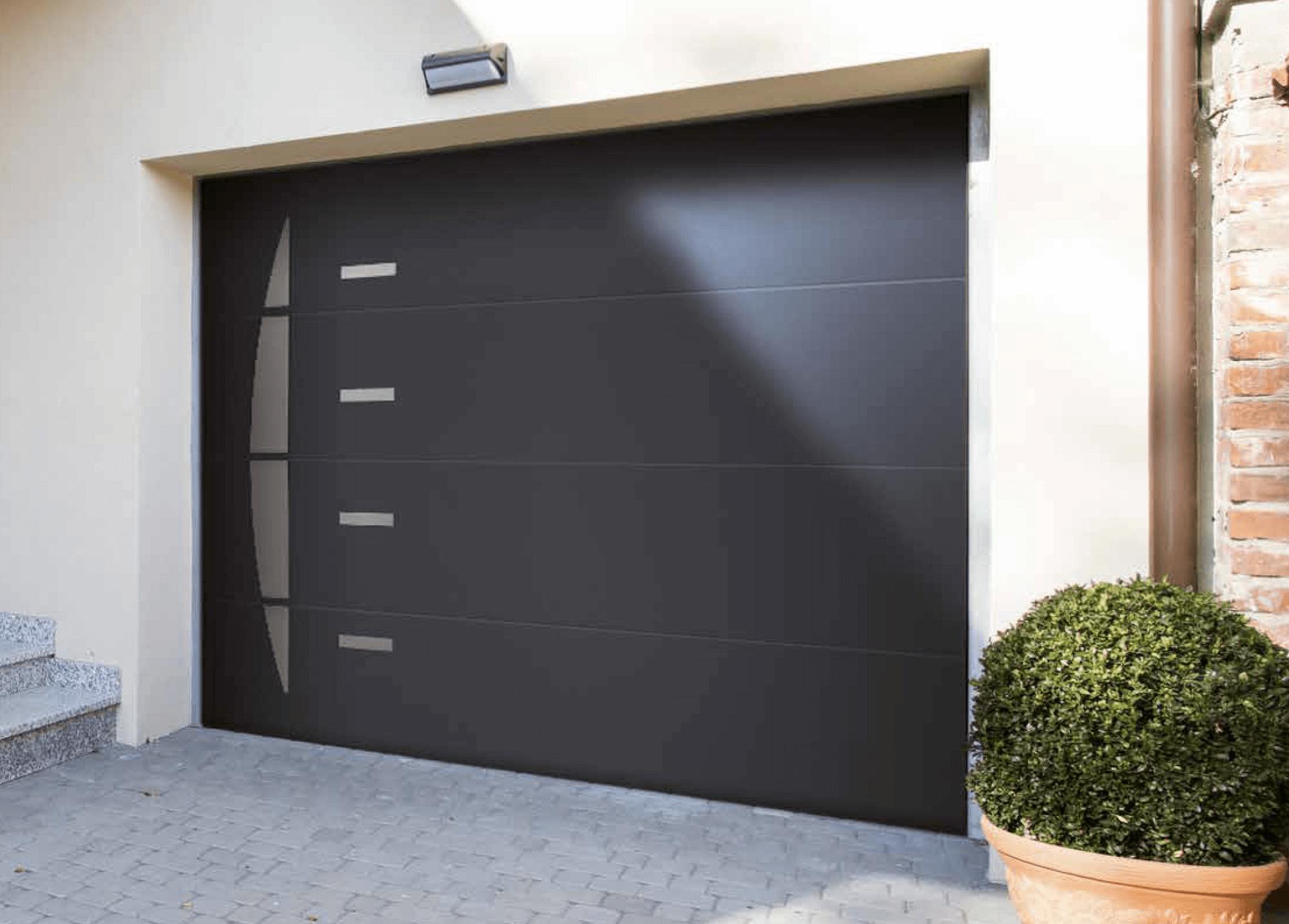 Les portes de garage motorisées Solabaie personnalisables | Garage ...
