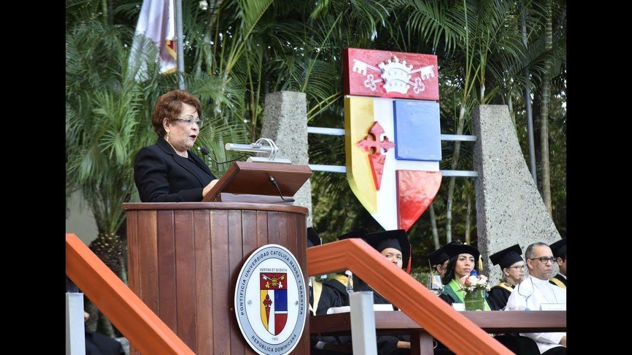 Discurso Alejandrina Germán, graduación Pontificia