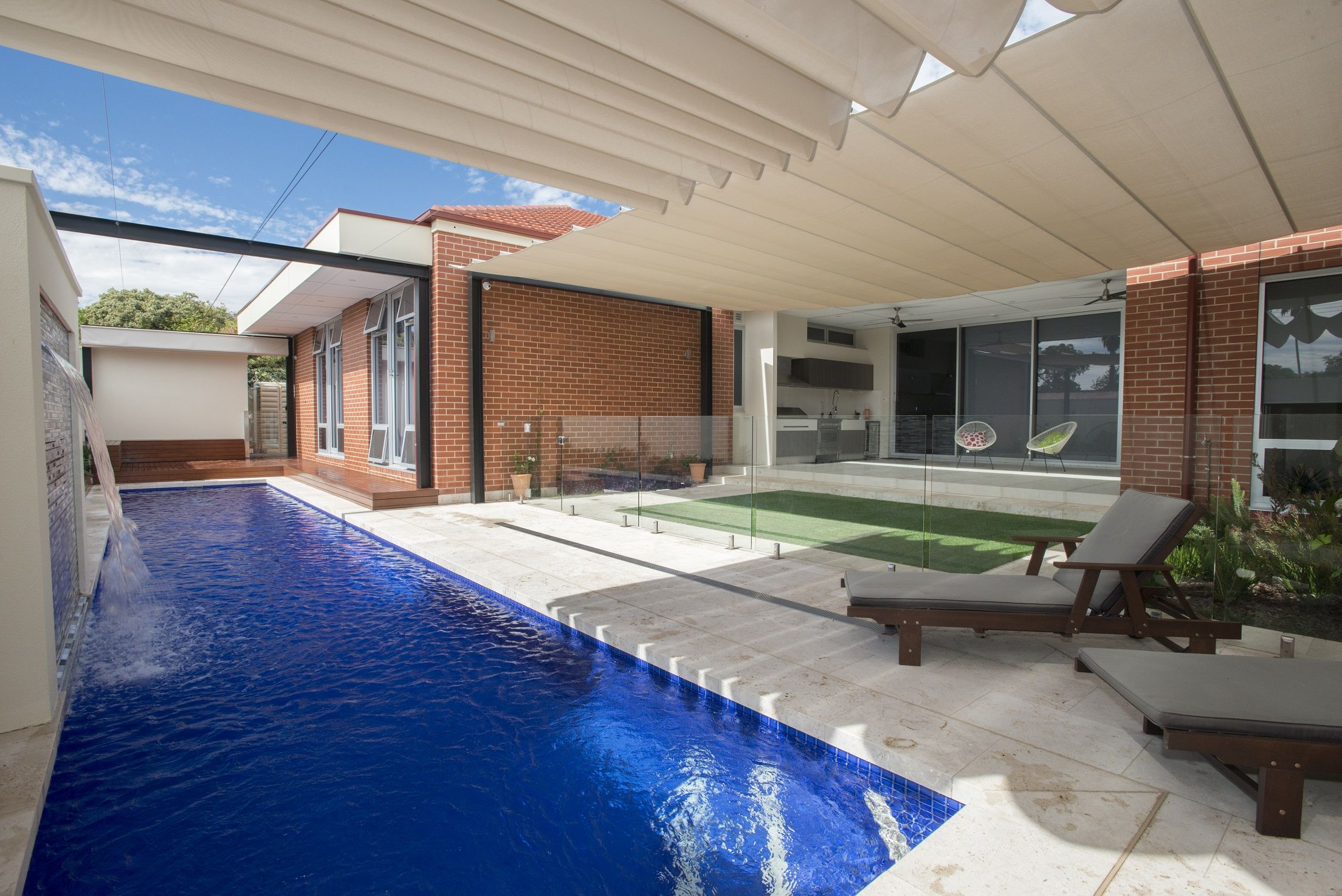 Swimming Pool Shade Ideas we have collected 20 pool shade ideas to help you choose the best type for your swimming pool it is most natural when you think of a swimming pool Find This Pin And More On Retractable Shade Sails Retractable Shade Ideas Shade Sails Over Pool