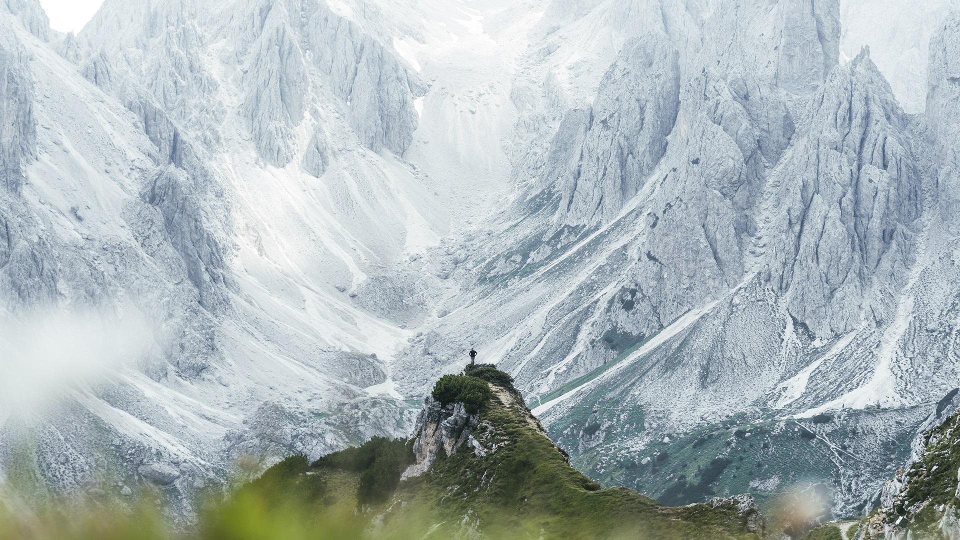 Cold white giants of the italian Dolomites [OC] [1920x1080