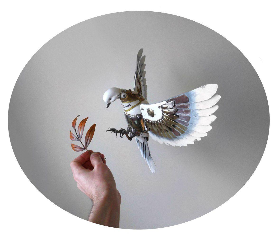 Art fairs mechanical movement metal paris russia sculptures wood - Dove Of Peace Mechanical Steam Punk Dove By Russian Artist Igor Verniy