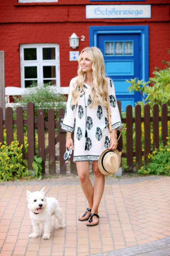 Summer Vibes in a small Town: The perfect airy Summer Dress feat. Wellington the Westie! by Feel Wunderbar Blog