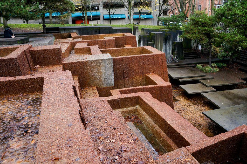 landscape architecture plaza Google Search Fountain
