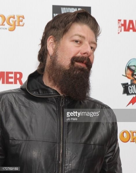 170769189-jim-root-of-slipknot-attends-the-metal-gettyimages.jpg (469×594)