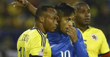 osCurve Brasil : VÍDEO: Neymar é flagrado xingando Zúñiga: 'Depois ...