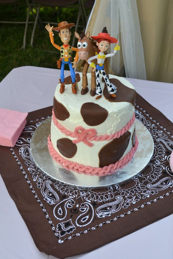 My daughter's 3rd birthday cake - cowgirl party