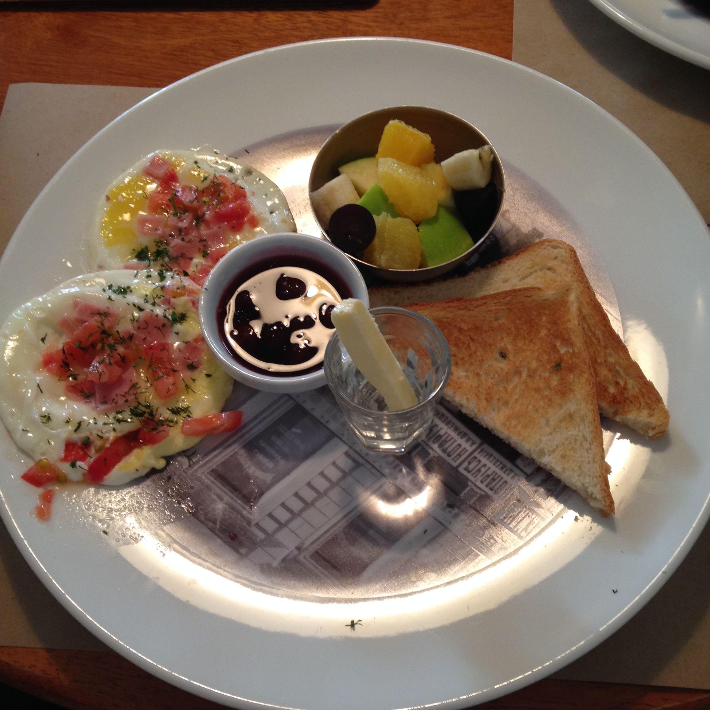 интернациональный завтрак Лондон