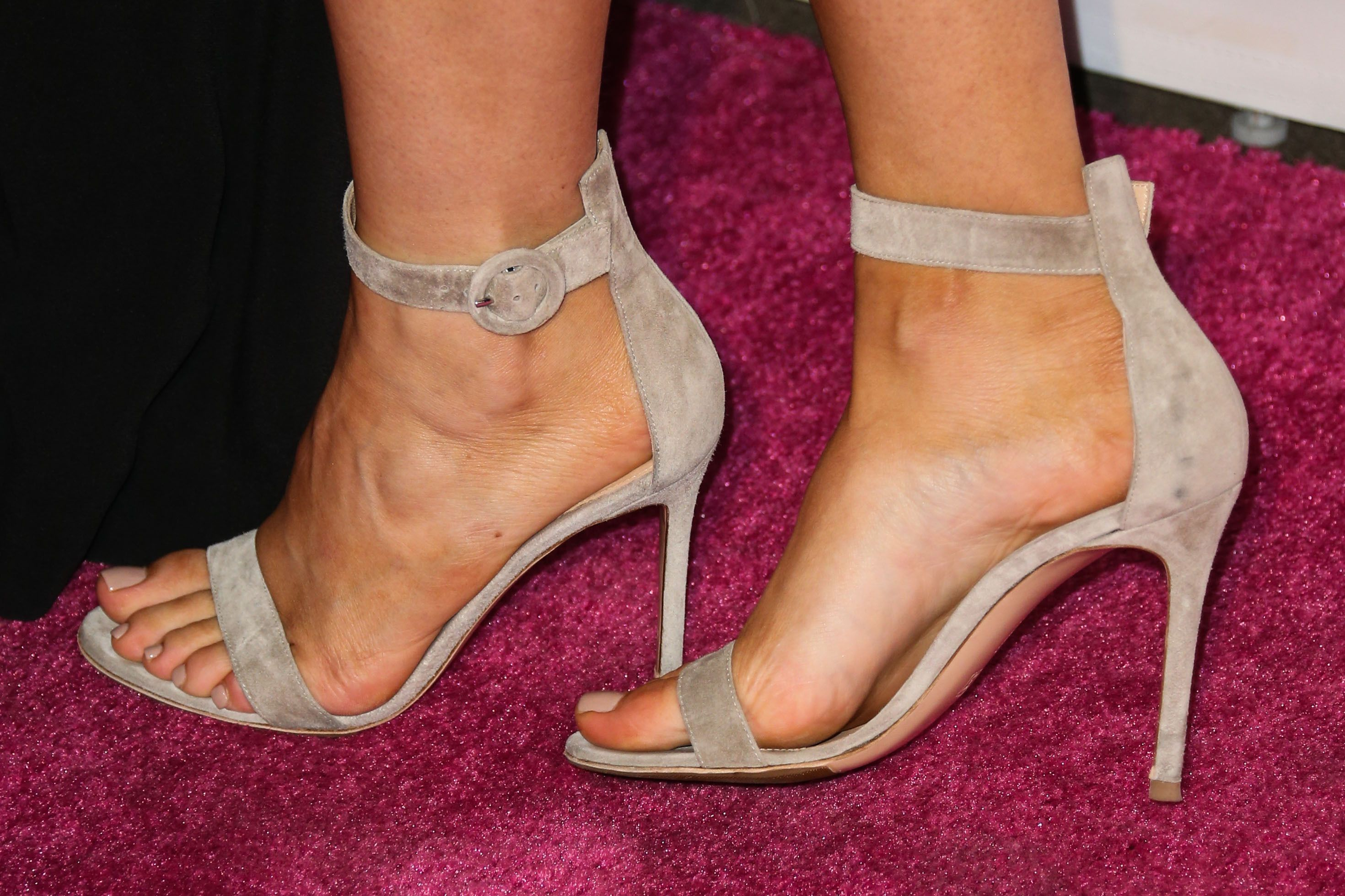 Top 10 Female Celebrity Sexiest Feet - TheTopTens®