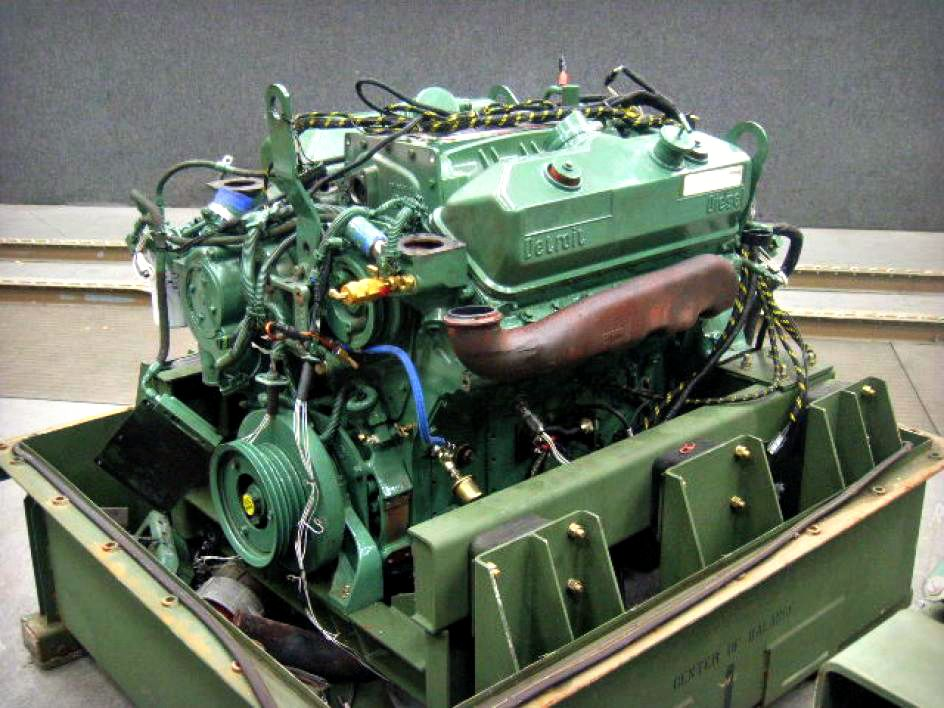 Detroit diesel engine with shipping container for a 14