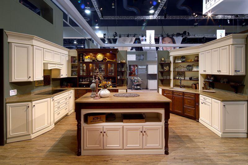 This beautiful transitional Aristokraft #cabinetry kitchen ...
