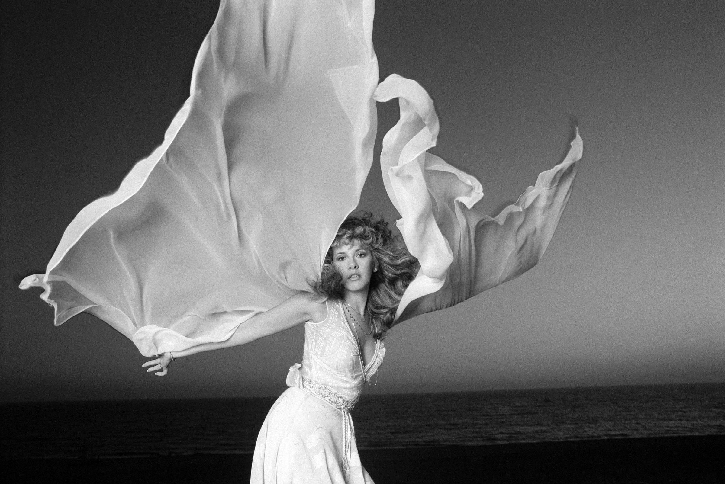 Hellogiggles A Positive Community For Women Stevie Nicks Stevie Nicks Style Stevie Nicks Fleetwood Mac [ 1603 x 2400 Pixel ]