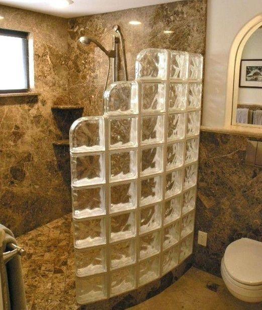 21 Small Walk In Shower Ideas No Door Home Interiors 21 Small Walk I Em 2020 Chuveiros De Vidro Remodelacao Do Chuveiro Projetos Para Banheiros Pequenos