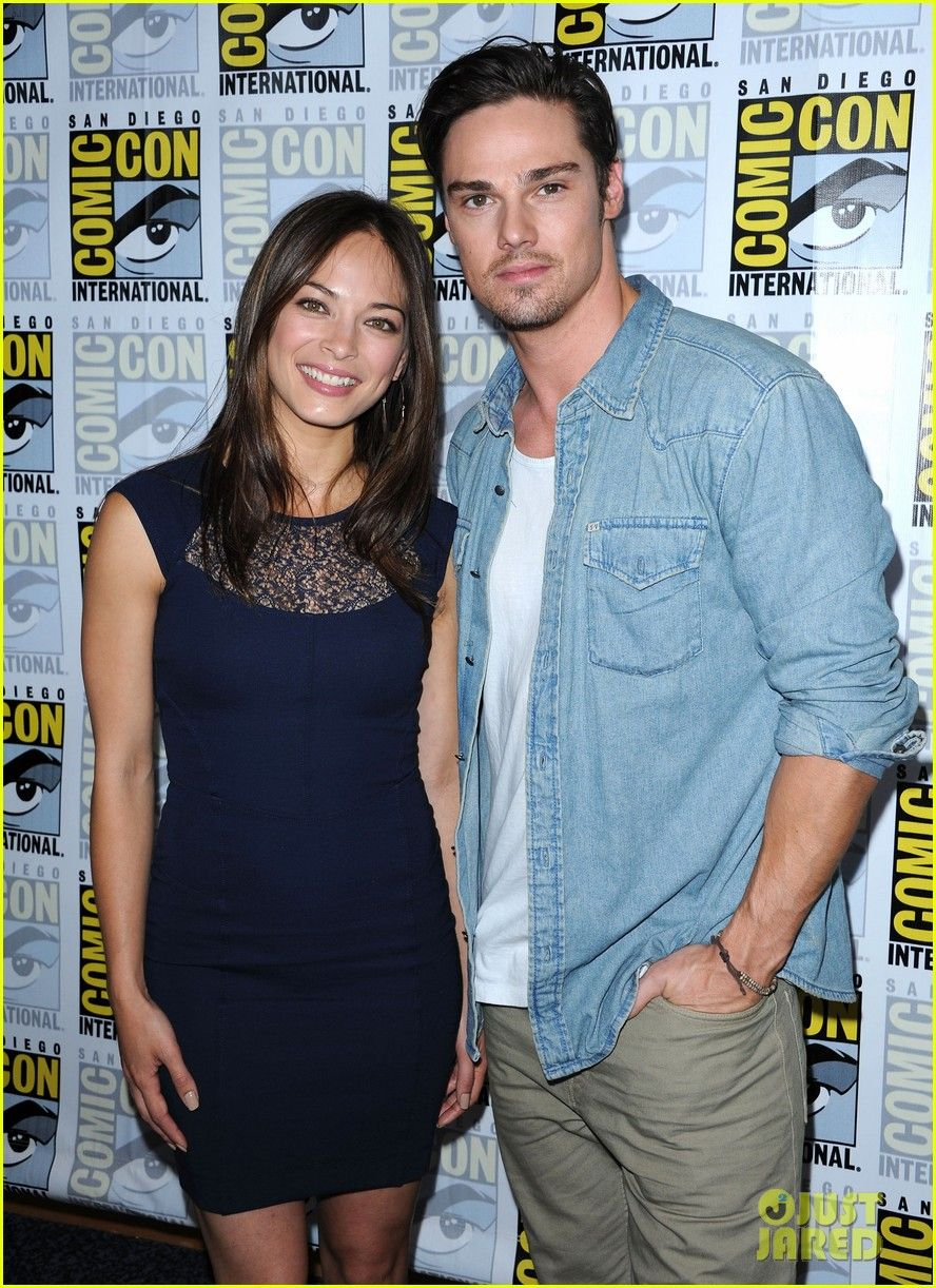 Beauty And The Beast Cast Kristin Kreuk And Jay Ryan Jay Ryan Kristin Kreuk Beauty And The Beast