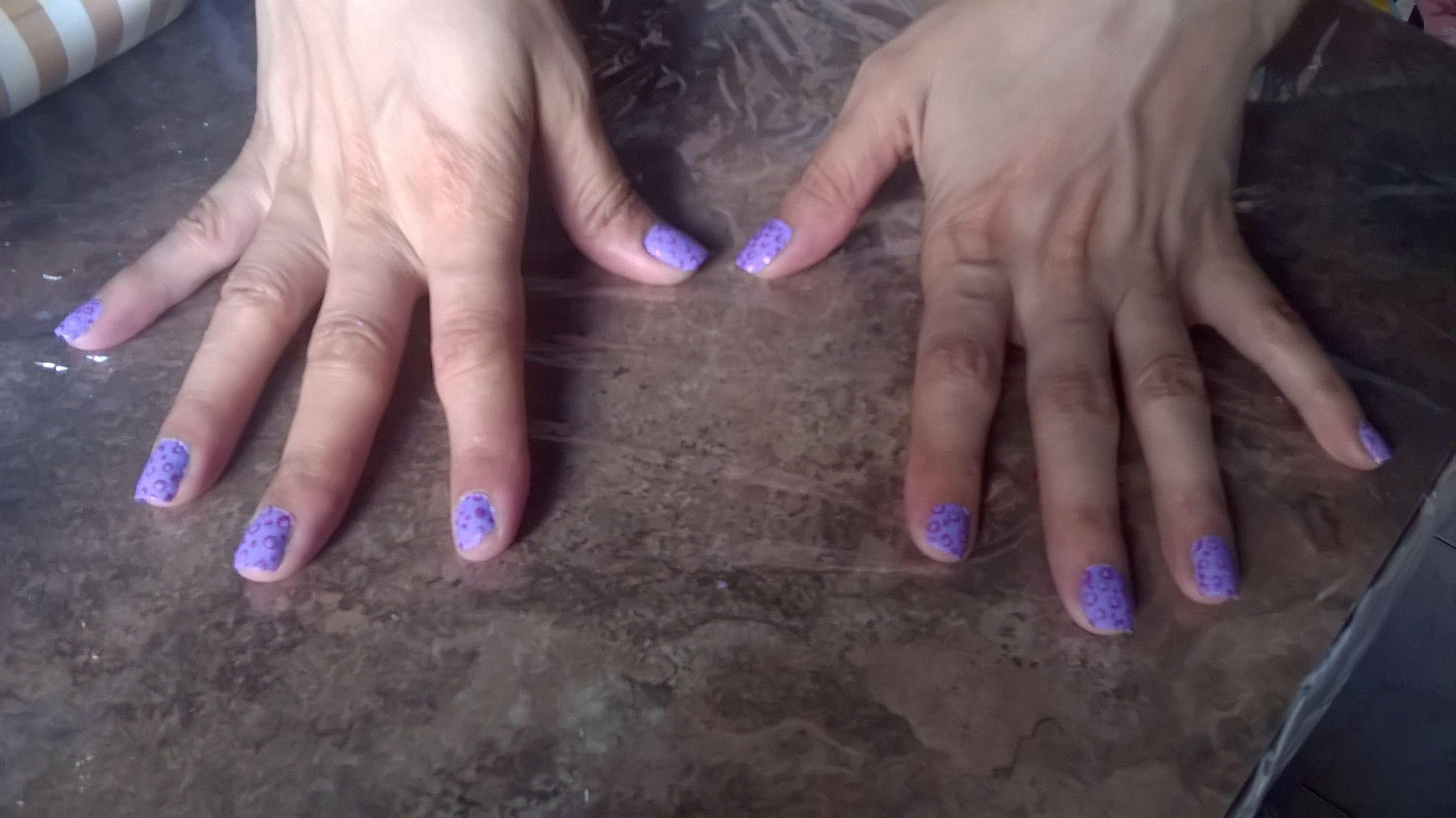 Puntos violeta