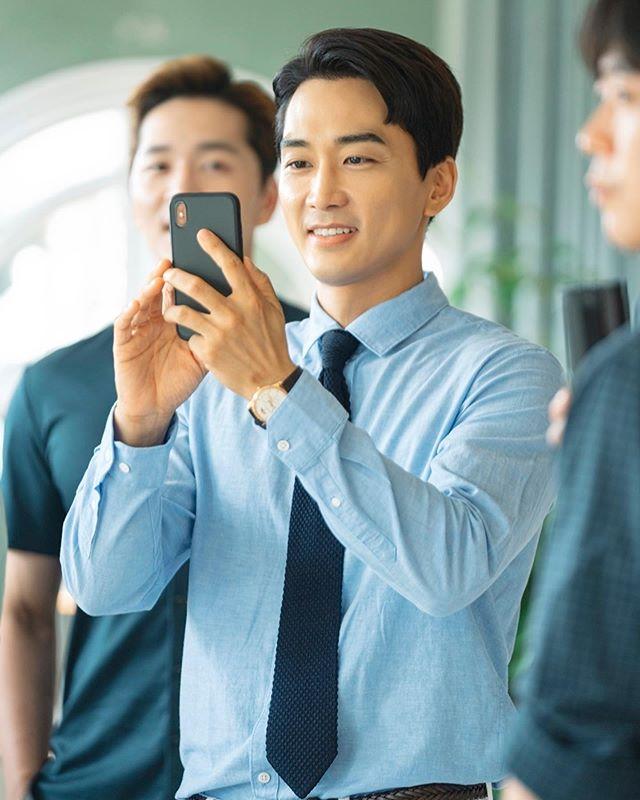 スンホン instagram ソン
