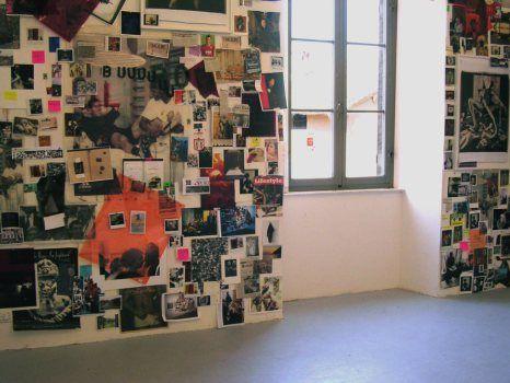 Decorazione con giornali per pareti arredare una parete for Parete da arredare