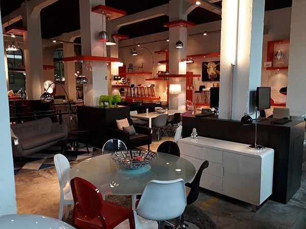 Une Petite Visite Dans Votre Magasin De Meuble Design A Bruxelles Een Bezoekje Aan Onze Design Meubelwinkel In Brussel