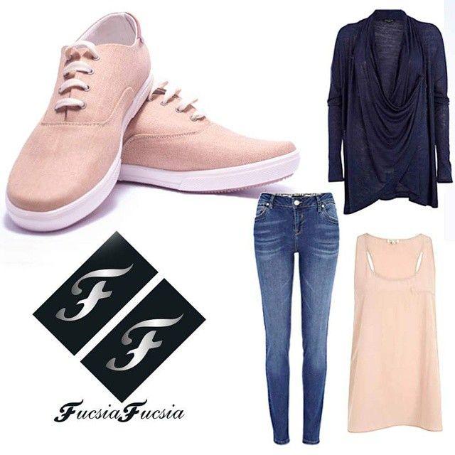 calzadofucsiafucsia - A beautiful combination for a cute tennis weekend semana! #nuevacolección #weekend #muchoestilo #calzadofucsiafucsia #style #mujeres #woman #women #shoes #tacones #fashion #chic #new #sandalias #mujer #tenis #bolsos